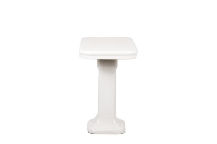 Console en grès émaillé blanc, vue de profil