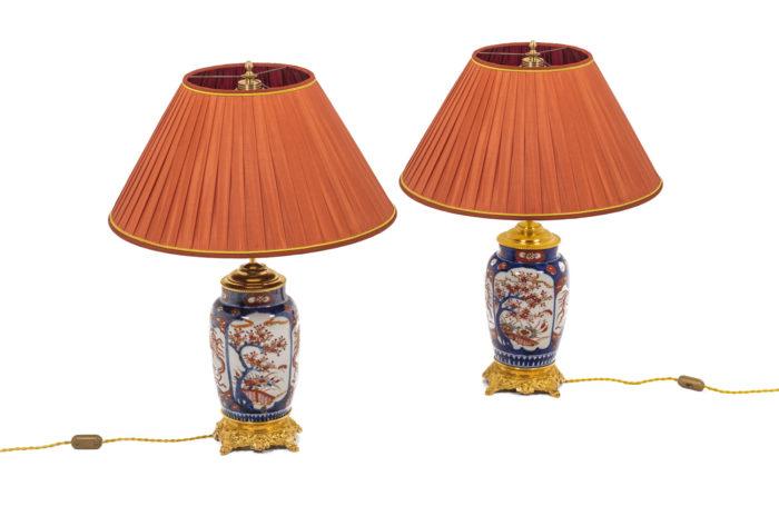 Paire de lampe en porcelaine Imari, vue d'ensemble