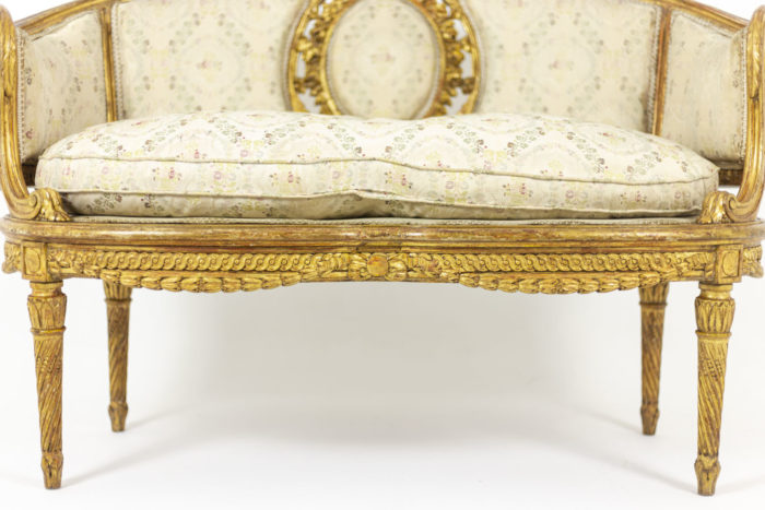 Transition style sofa in giltwood 4