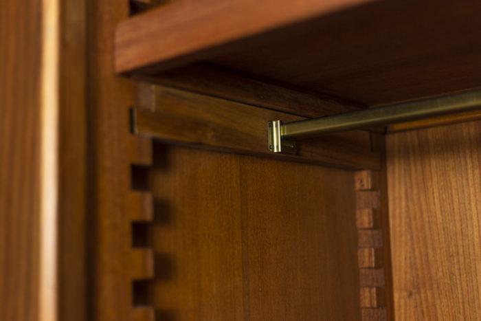 Pierre Chapo, Armoire-penderie à deux portes en orme naturel, détails 2