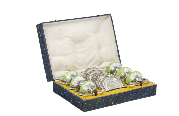 Tea service in celadon porcelain and silver-plated metal, open