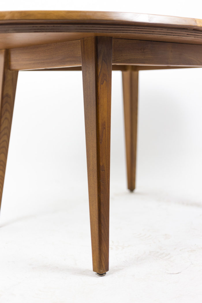 Dining table in natural elm 2