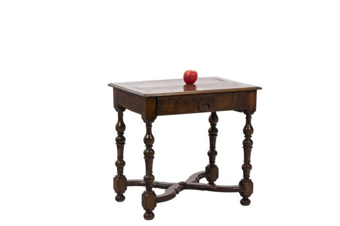 Table de salon en noyer d'époque Louis XIV