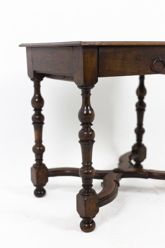 Table de salon en noyer d'époque Louis XIV, détails 2