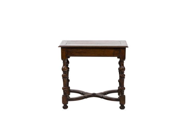 Table de salon en noyer d'époque Louis XIV, vue de face