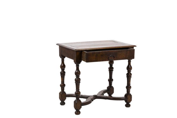 Table de salon en noyer d'époque Louis XIV, vue d'ensemble 2