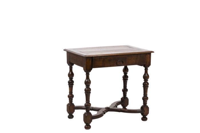 Table de salon en noyer d'époque Louis XIV, vue d'ensemble