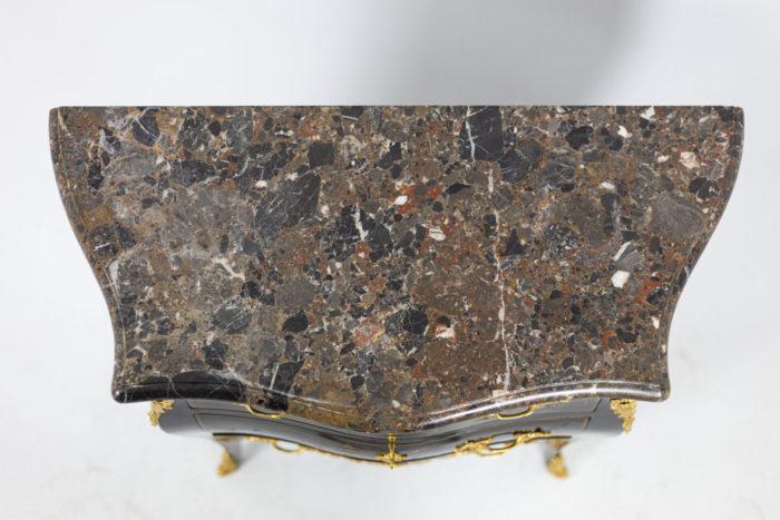 Petite commode sauteuse de style Louis XV, détails 4