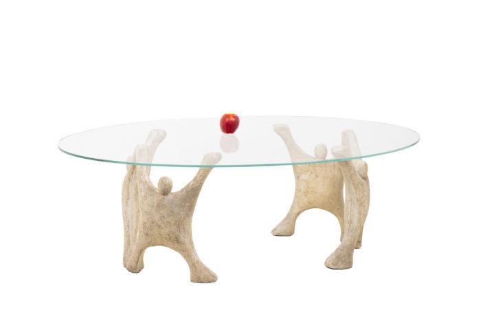 Table basse en pierre reconstitué, vue d'ensemble