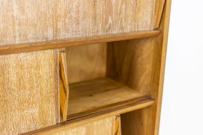 Bibliothèque céruse - détail du bois