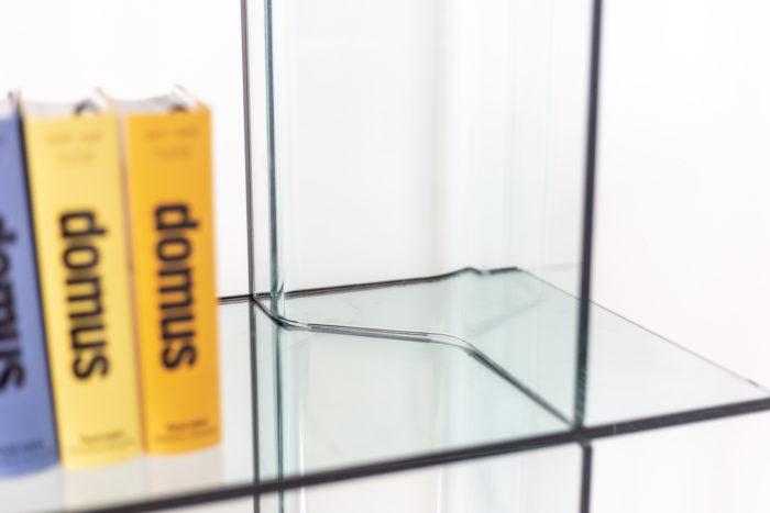 Bibliothèque en verre - étagère