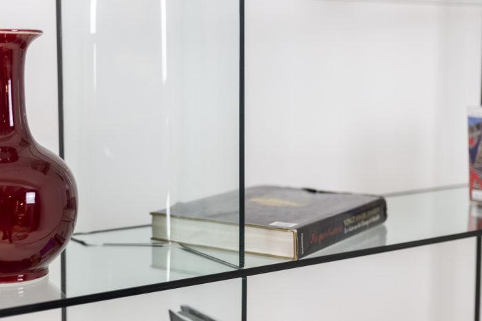 Bibliothèque en verre - détail verre