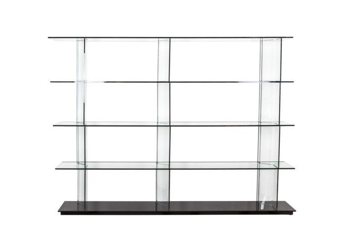 Bibliothèque en verre - face