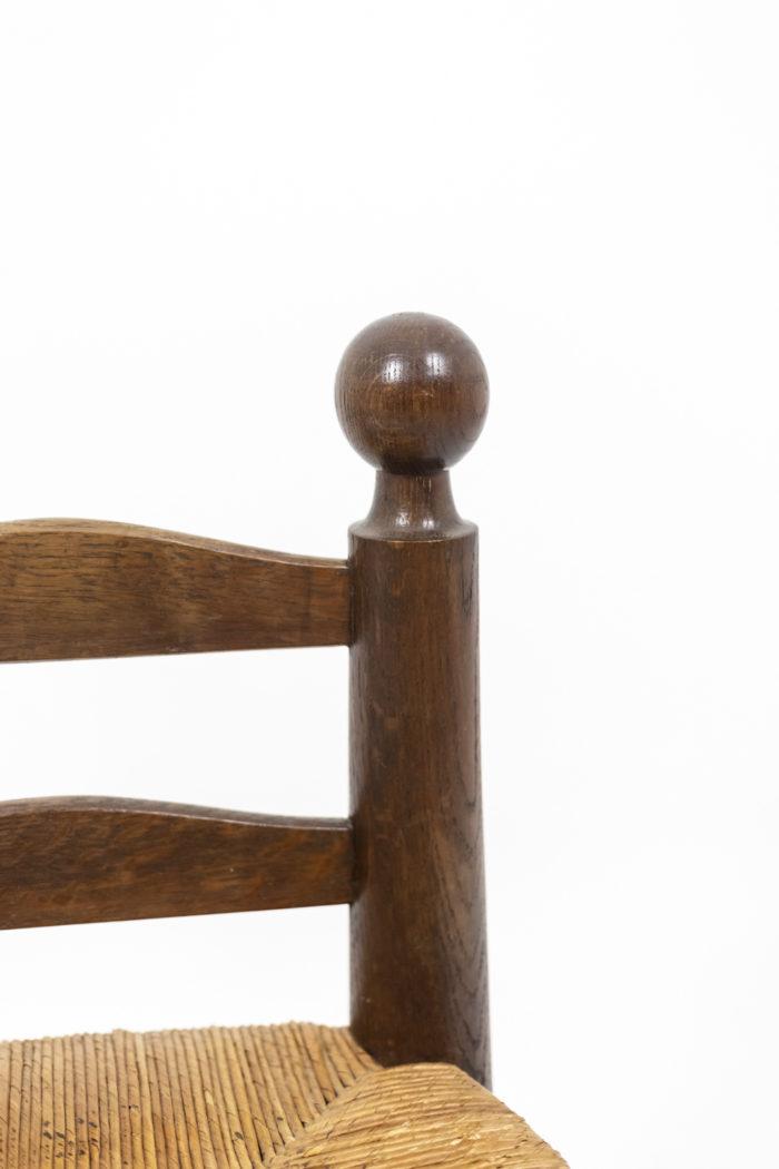 Chaises boules sculptées - détail dossier
