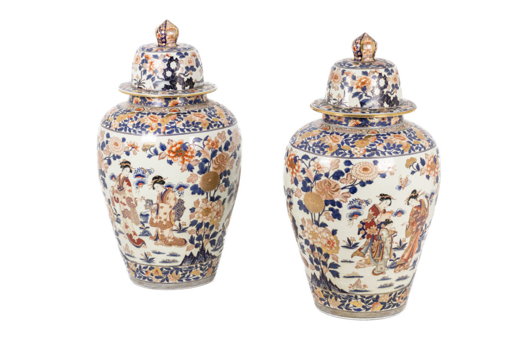 Paire de grands vases en porcelaine Imari, circa 1900