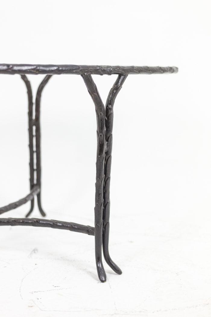 Piètement en bronze - détail de deux pieds