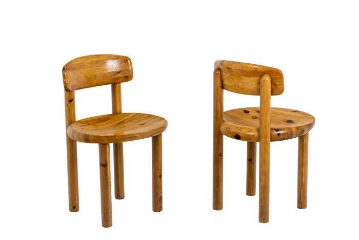Série de quatre chaises - deux des quatre