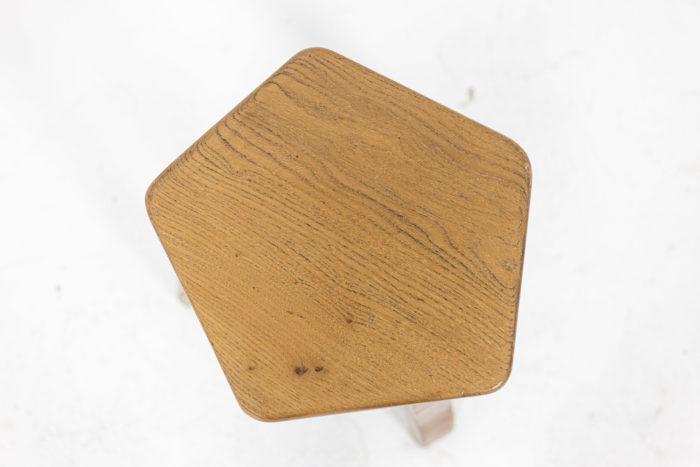 Tabourets - vue en contre-plongée de l'assise
