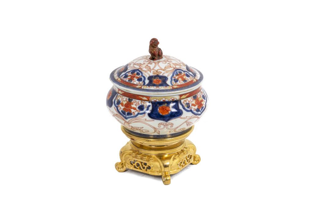 Perfume burner in Imari porcelain, circa 1880