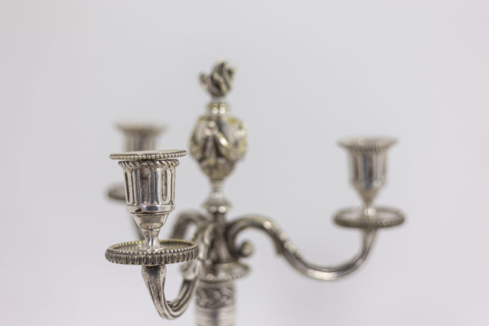 Paire de chandeliers - détail bobèche