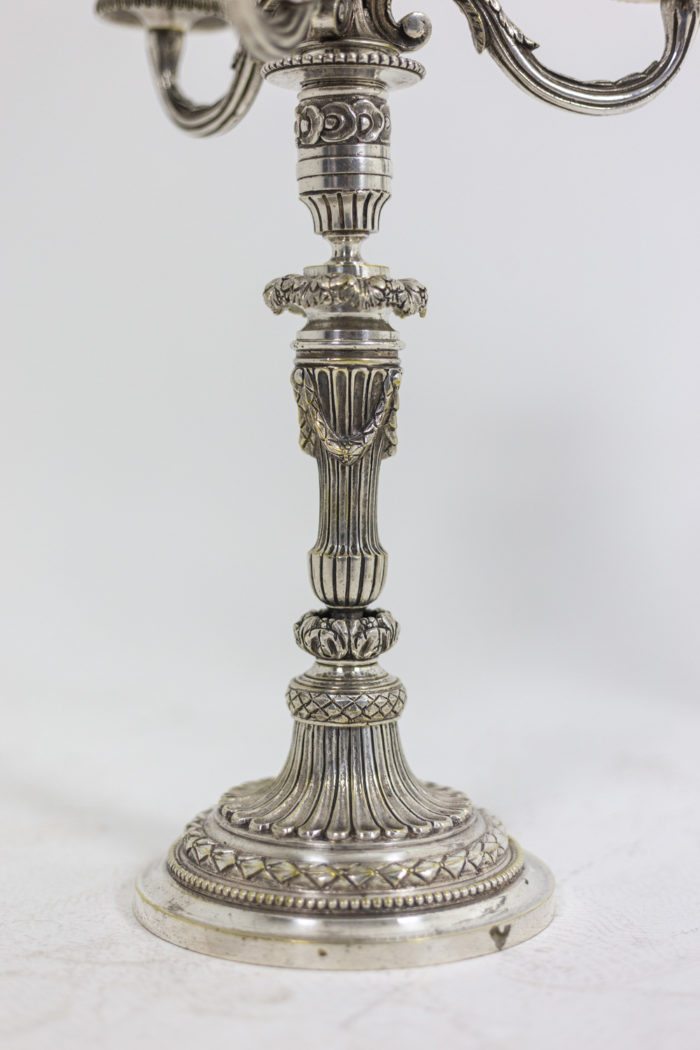 Paire de chandeliers - détail pied
